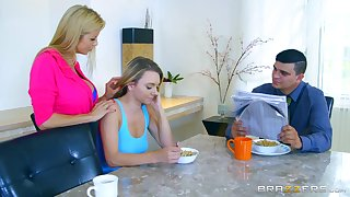Hot MILF Alexis Fawx scores with sexy youngster Molly Mae