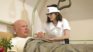 Doting nurse Sara Horn takes fantastic mind a look after of an old fogey