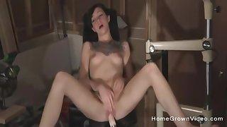 Juliette Black Uses Sex Machines And Sucks Horseshit