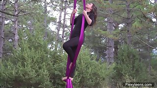 Flying yoga striptease by sex solicitation spoil in the air flexible body Kim Nadara
